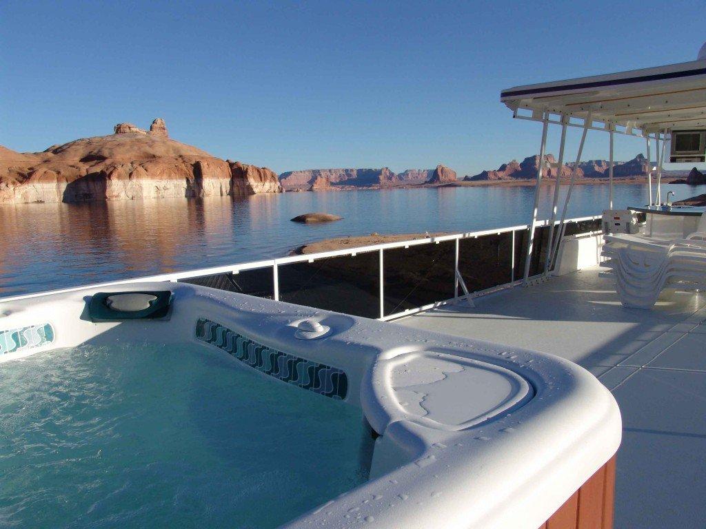 Houseboat hottub in Lake Mead, Arizona (Utah)